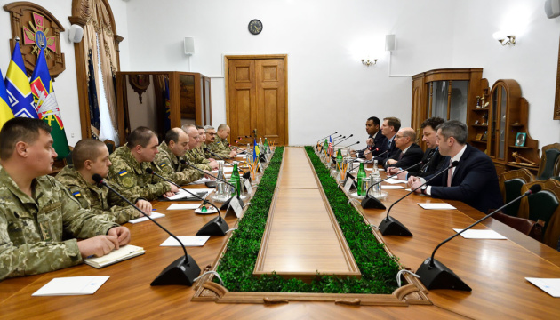 Хомчак обговорив із радником від США Вінтером потреби ЗСУ в озброєнні