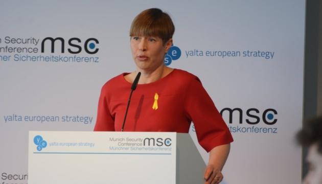 Президент Естонії попередила Зеленського про можливе падіння рейтингу в результаті реформ