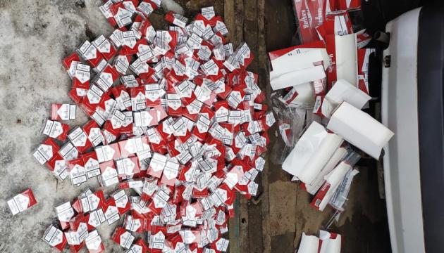 У ході 90 обшуків силовики вилучили 1500 ящиків сигарет, завезених з окупованого Донбасу