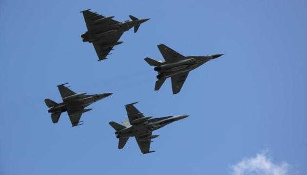 Винищувачі НАТО двічі за тиждень супроводжували військові літаки РФ