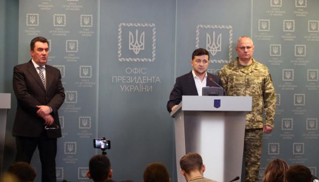 Zelensky: Les militaires ukrainiens contrôlent la situation à Zolote