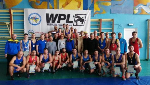В Николаеве начался чемпионат Украины по борьбе среди спортсменов с недостатками слуха