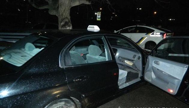 У Києві іноземці побили таксиста і вкрали авто