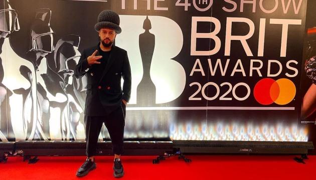 MONATIK на красной дорожке юбилейной BRIT Awards