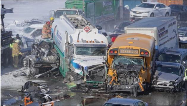 Масштабна ДТП у Канаді: зіткнулися більше сотні автомобілів