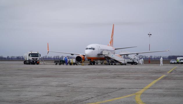 З Великої Британії до України повернулися вже 834 українці, на черзі ще три рейси - посольство
