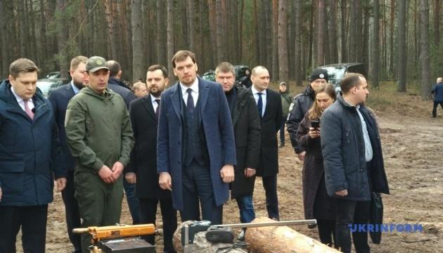 Гончарук ознайомився з процесом чіпування деревини на Чернігівщині
