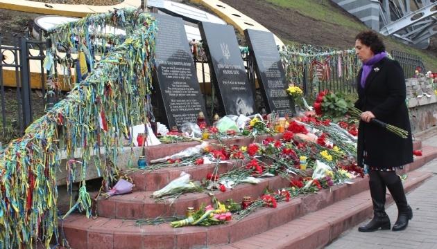 British ambassador commemorates Heavenly Hundred Heroes