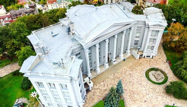 Експонати музею історії України