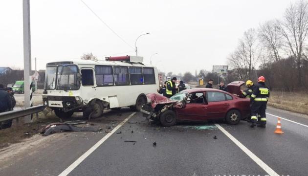 Смертельна ДТП у Чернігові - зіткнулися пасажирський автобус та легковик