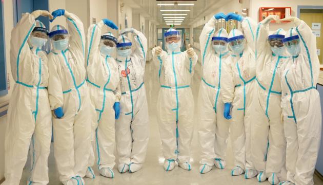 Китай не впустил двух экспертов ВОЗ из-за антител к COVID-19