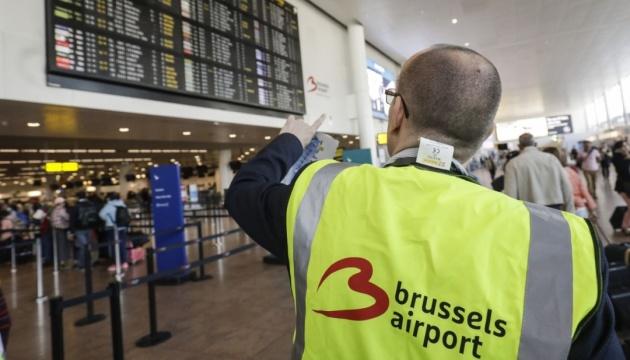 Полиция в аэропорту Брюсселя протестует, работая