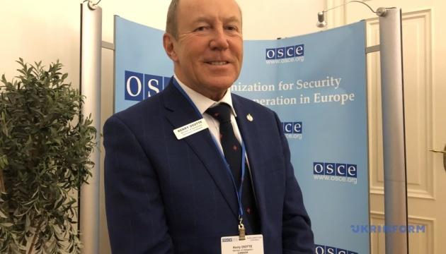 Россия должна убраться из Украины – канадский депутат