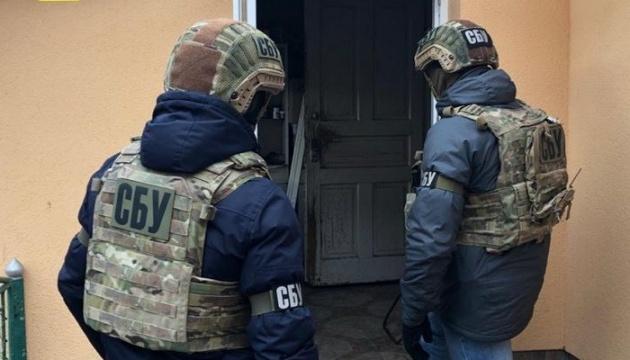 """СБУ затримала банду вимагачів, яка працювала на """"злодія у законі"""""""