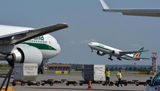 На Маврикії через коронавірус заблокували літак з Італії