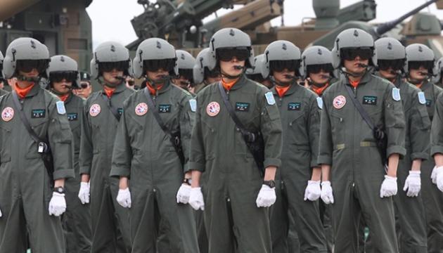 У Південній Кореї через коронавірус 7,7 тисячі військових помістили в карантин