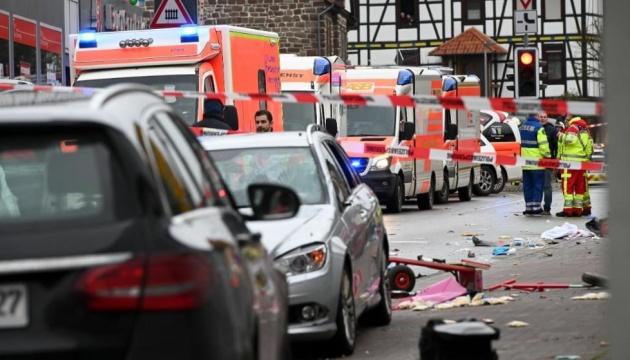 Наезд авто на зрителей карнавала: число пострадавших в Германии возросло до 30