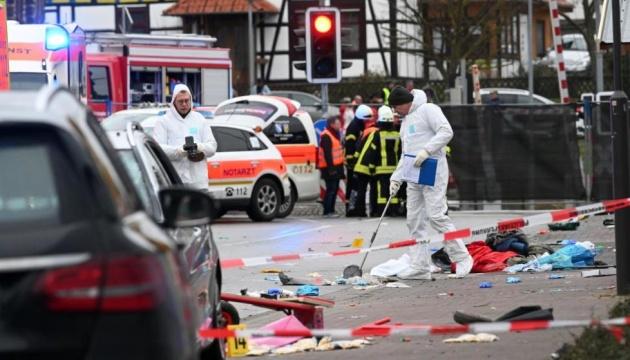 Наїзд авто на глядачів карнавалу: число постраждалих у Німеччині зросло до 30