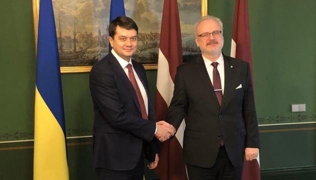 Razumkov thanks President of Latvia for support to Ukraine, rehabilitation of soldiers