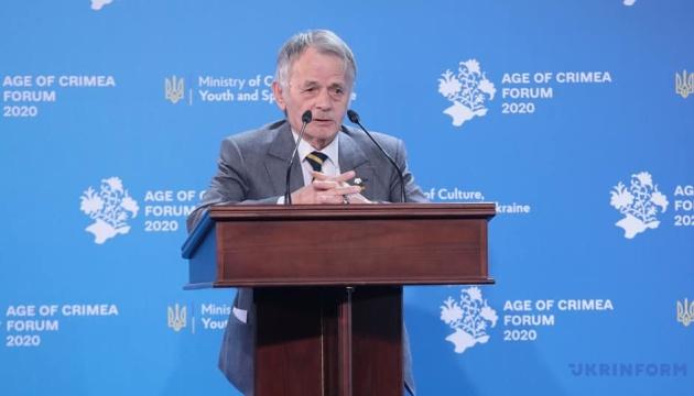 Джемилев призывает крымчан оказывать мирное сопротивление оккупации