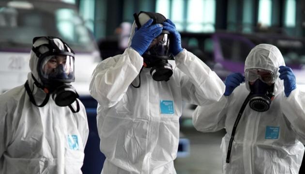 Почему одни больные коронавирусом заражают многих, а другие – нет?