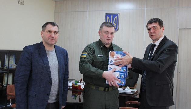 Прикордонники Рівненщини отримали безконтактні термометри для скринінгу прибулих