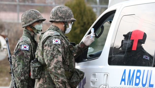 Через спалах COVID-19 у столиці Південної Кореї зачинили всі клуби та бари