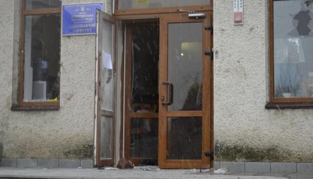 У Жмеринці чоловіки у масках вдерлися на сесію міськради, є постраждалі й затримані