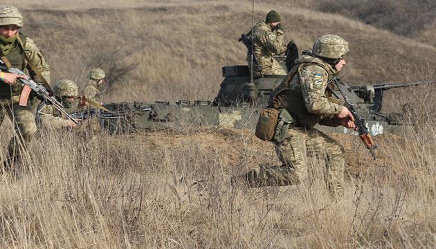 На Донбасі гатять міномети - окупанти чотири рази зривали