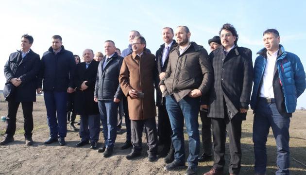 Турецкие специалисты выбирают на Херсонщине места под строительство жилья для переселенцев