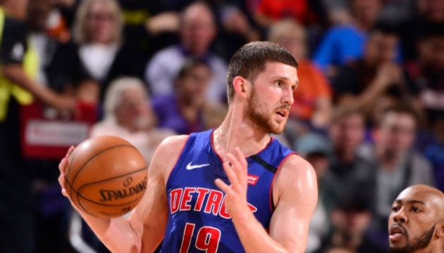 НБА: Михайлюк набрав 13 очок і допоміг «Детройту» обіграти «Фінікс»