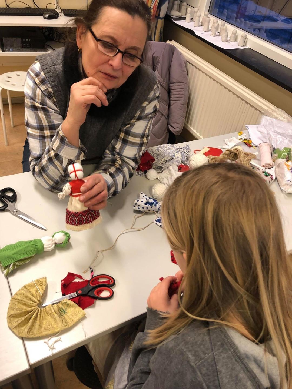 Майстер-клас з виготовлення ляльки-мотанки під керівництвом Ніни Хаген в Осло