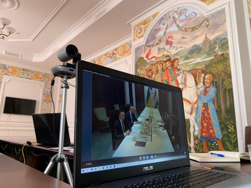 Президенти України і Азербайджану обговорили боротьбу з коронавірусів — Украинские новости