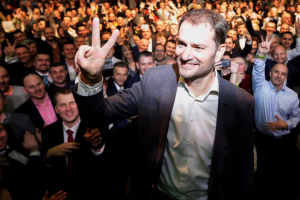 スロバキア首相、ウクライナに関する冗談を謝罪