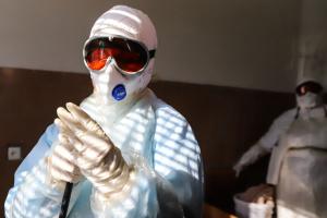 У закарпатській лікарні відправили на самоізоляцію 112 медиків