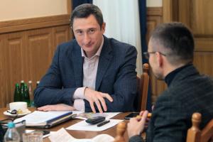 Чернышов проинспектировал строительство сельского детсада и школы на Волыни