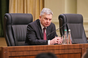 Міністр оборони назвав причину падіння ракети у селі на Львівщині