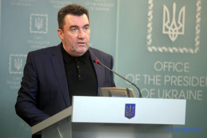 Київ не потребує порад Кремля щодо статусу української мови – Данілов