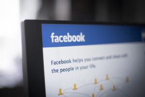 Facebook впервые удалил публикацию Трампа