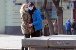 L'Ukraine interdit de marcher dans la rue en groupe de plus de deux personnes