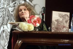 Произведения, публикации, переводы: в Киеве прошла выставка к 90-летию Лины Костенко