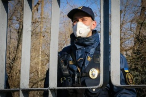 За нарушение самоизоляции оштрафовали 130 граждан, вернувшихся из-за границы - МВД