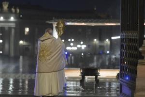 Папа Римський помолився за завершення пандемії
