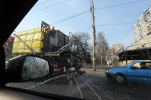 Вулиці, зупинки, під'їзди: Кличко показав, як дезинфікують Київ