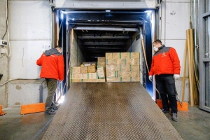 """""""Нова пошта"""" безоплатно доставить лікарням 120 тонн медичних товарів"""