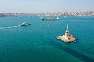 В Стамбуле закрыли паромное сообщение