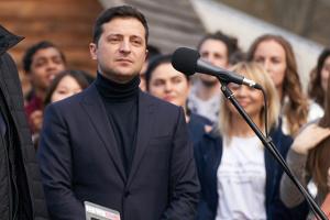 """Карантин як челендж: Зеленський радить розібрати """"музей мотлоху"""" - балкон"""