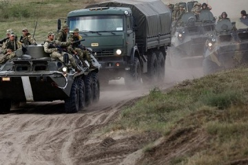 Russia pulls 90,000 troops, 1,100 tanks, hundreds of planes to border with Ukraine