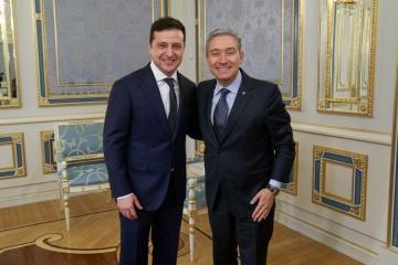 Volodymyr Zelensky s'est entretenu avec François-Philippe Champagne