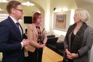 Ukraine, Finland discuss defense cooperation for 2020